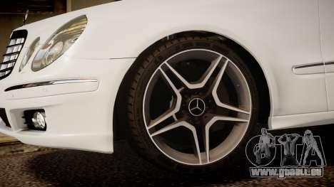 Mercedes-Benz E-Class Executive 2007 v1.1 pour GTA 4 est un droit