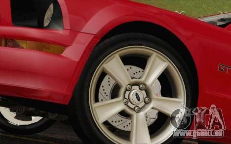 Ford Mustang GT 2005 pour GTA San Andreas sur la vue arrière gauche