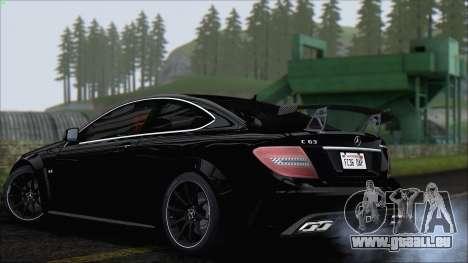 Mercedes C63 AMG Black Series 2012 pour GTA San Andreas vue de droite