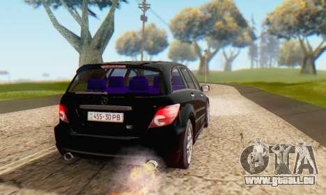 Mercedes-Benz R350 pour GTA San Andreas vue de dessous