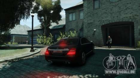 Mercedes-Benz W221 S63 AMG pour GTA 4 est un droit