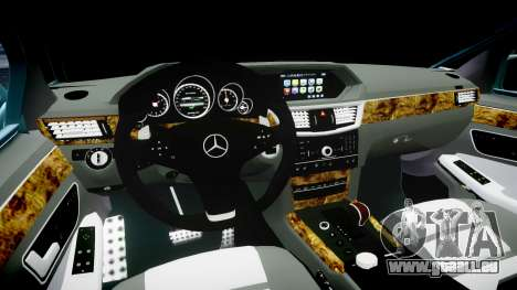 Mercedes-Benz W211 E55 AMG Vossen VVS CV5 pour GTA 4 est une vue de l'intérieur
