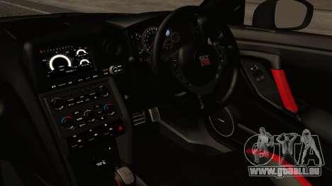 Nissan GT-R R35 2012 v2 pour GTA San Andreas vue de droite