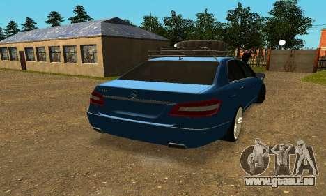 Mercedes Benz E500 W212W pour GTA San Andreas sur la vue arrière gauche