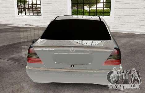 Mercedes Benz с180 pour GTA 4 Vue arrière de la gauche