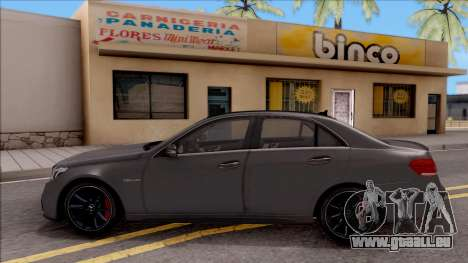 Mercedes-Benz E63 AMG pour GTA San Andreas laissé vue