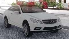Mercedes-Benz E500 White pour GTA San Andreas