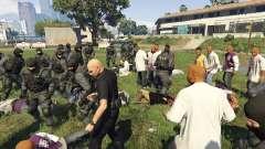 30 SWAT VS 60 Gangsters 1.0