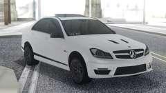 Mercedes-Benz C63 AMG Sedan pour GTA San Andreas