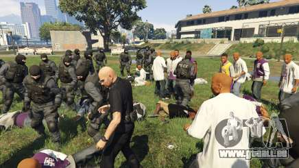 30 SWAT VS 60 Gangsters 1.0 pour GTA 5