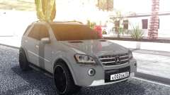 Mercedes-Benz ML 63 AMG Stock pour GTA San Andreas