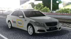 Mercedes-Benz E-Klasse Ein Yandex-Taxi